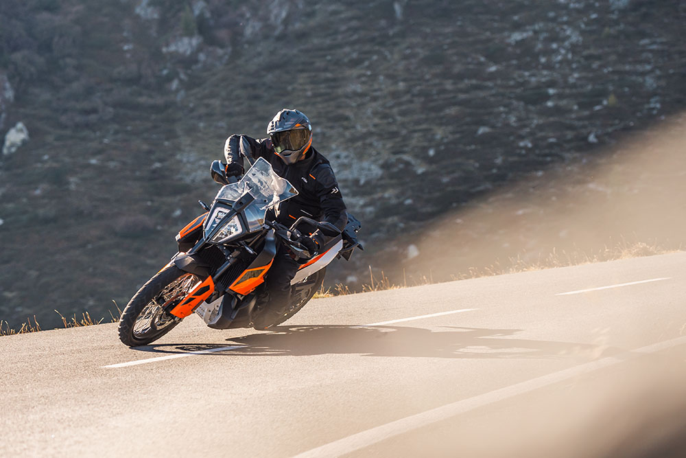 M50 Honda to showcase the KTM brand at the Carole Nash Motorcycle and Scooter Show